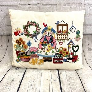 Other - Vintage Embroidered Throw Pillow